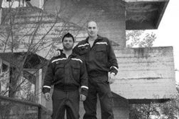 """Po súťaži. Jozef Fintor (vľavo) a Roman Hovaňák umiestnenie na """"debne"""" nečakali."""