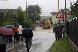 V Ždani zalialo ulice i päťdesiat domov.