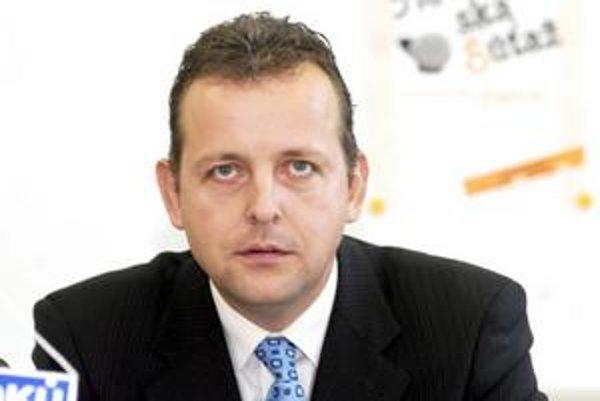 Igor Jutka (SDKÚ). Šéf Predstavenstva DPMK, inak lekár, by mal nahradiť riaditeľa FNLP J. Šajtyho.