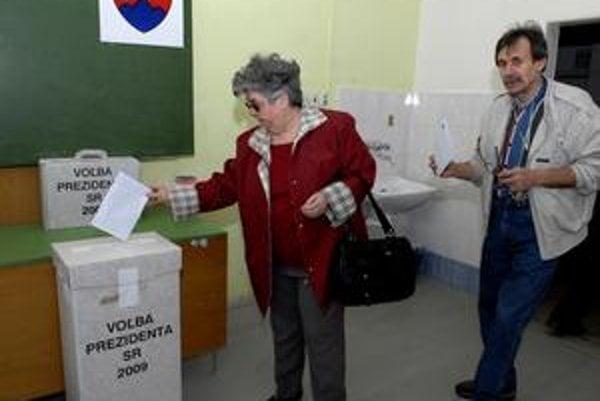 """Bude opäť nízka účasť? Obyvatelia Košického a Prešovského kraja """"dominovali"""" štatistikám počas nedávnych prezidentských volieb, v sobotu by ich k urnám mohlo prísť ešte menej..."""