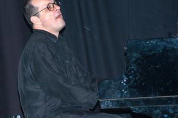 Klavirista, aranžér, skladateľ. Na festivale Hevhetia sa objaví aj fenomenálny Miki Skuta.