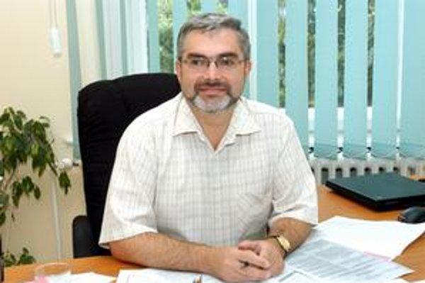 MUDr. Ladislav Virág, Podľa primára počet nakazených salmonellou v lete stúpa o 25 až 50 percent.