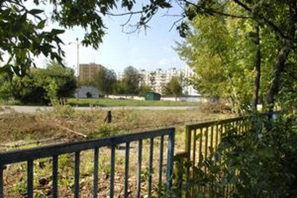 Dopravné ihrisko na Bardejovskej. Vybudovalo sa ešte za totality, od Nežnej revolúcie už dve desaťročia chátra.