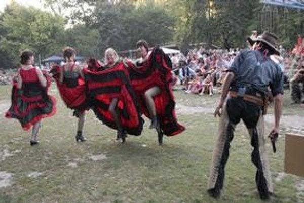 Atmosféru tvorili aj westernové divadlo a tance.