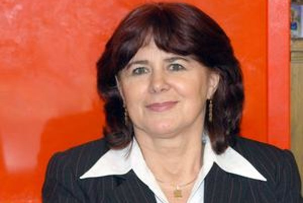 Monika Smolková. Najlepšie platená politička na Slovensku si trúfa zvládnuť všetky tri svoje volené funkcie.
