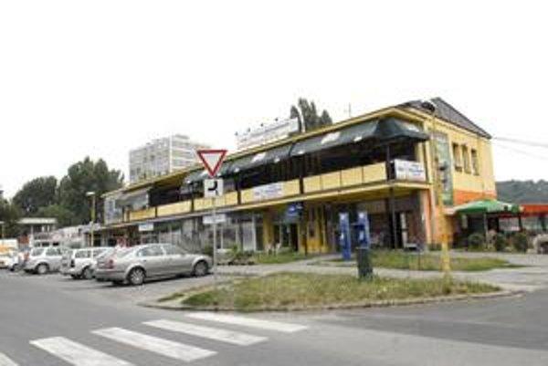 Obchodné centrum Bukovec. Na jeho mieste má vyrásť nová dominanta Jazera.