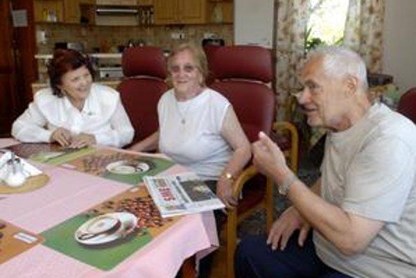 """Súkromný domov v Džungli má voľné miesta. Bývajú v ňom manželia Michal a Anna Kočiovci. Odkazujú, aby """"sa v parlamente zobudili""""."""