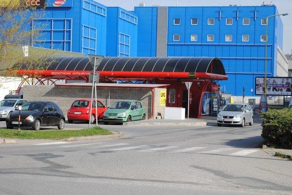 Autoumyváreň na Čergovskej ulici bola jednou zo sporných prevádzok.