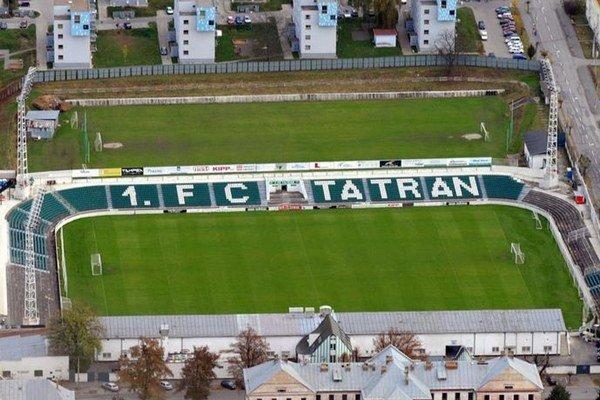 Štadión Tatrana Prešov. Súčasným prvoligovým kritériám už nevyhovuje.