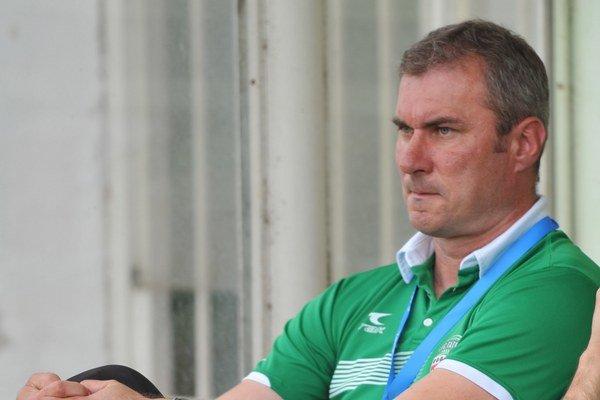 Tréner Stanislav Varga. Verí vo víťaznú rozlúčku so sezónou.