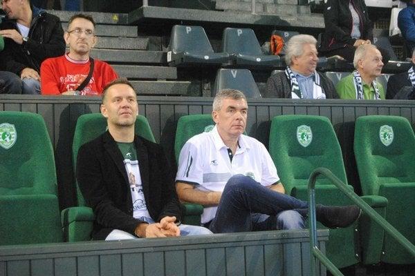 Miloslav Chmeliar (vpravo) počas zápasu. Načrtol plány Tatrana vúvode novej sezóny aprezradil viac ozmenách vkádri.