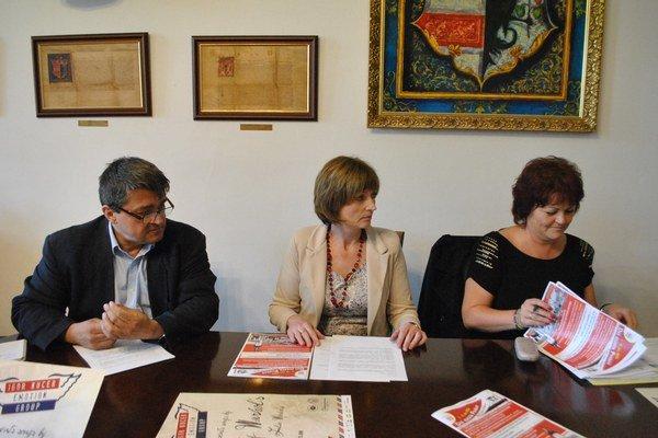 L. Kišeľák, A. Turčanová a M. Putnocká predstavili program.