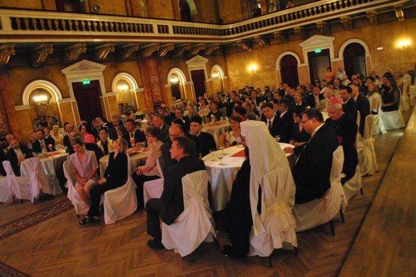 Slávnostný ceremoniál sa uskutočnil v PKO Prešov.