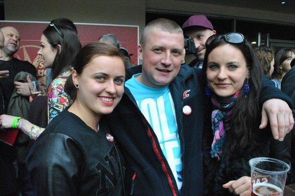 Anglickí východniari. Zľava Janka, Imo, Karin.