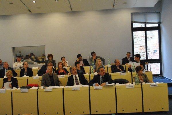Poslanci budú riešiť ekonomické výsledky mestských firiem.