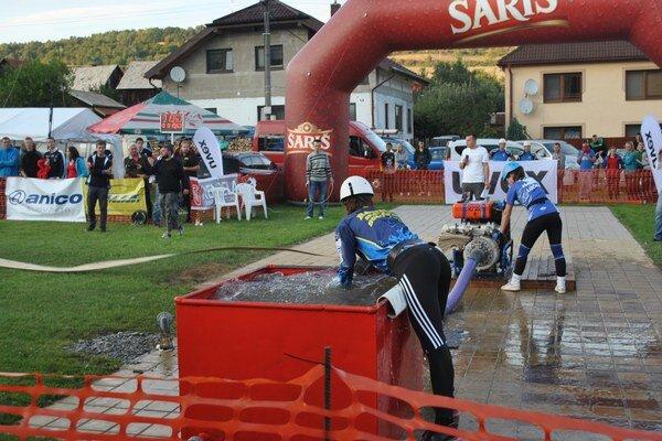 Hasičská súťaž. Konala sa počas víkendu v Ľubovci.