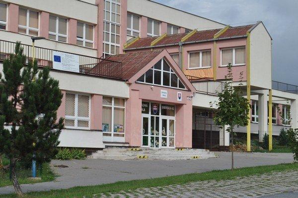ZŠ Sibírska v Prešove. Modernou školou na Sekčove otriasla vážna kauza.