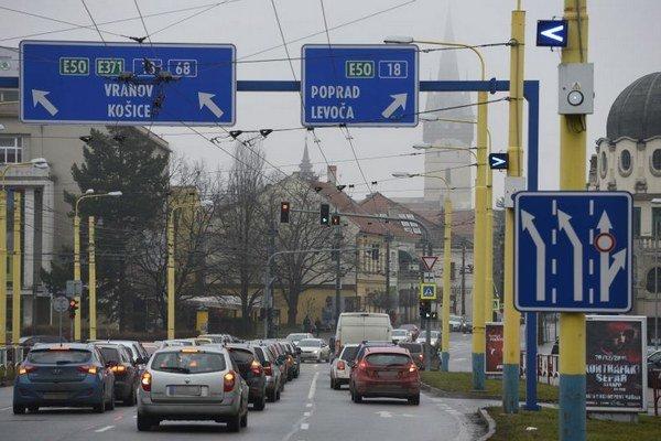 Na snímke križovatka ulíc Sabinovská, Levočská a Hlavná v pohľade zo Sabinovskej ulici.