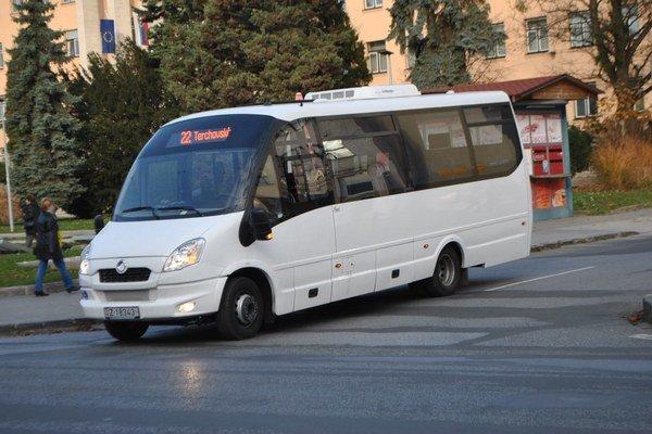 Linka č. 22. Midibus jazdí po inej trase.