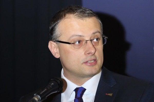Peter Tarcala je turnajovým riaditeľom Svetovej bedmintonovej federácie (BWF), čo je jedna z najvyšších výkonných funkcií v tomto športe vôbec. Zároveň je generálnym sekretárom Slovenského zväzu bedmintonu.