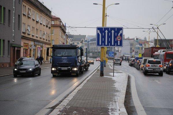 Levočská. V smere na križovatku so Sabinovskou a Hlavnou ulicou je značka nehodový úsek.
