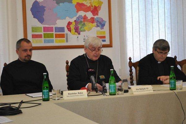 Vľavo Rastislav Baka, v strede Jan Babjak, vpravo Ľubomír Petrík.