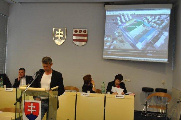 Marek Trávniček. Generálny manažér predstavil stavebný projekt.