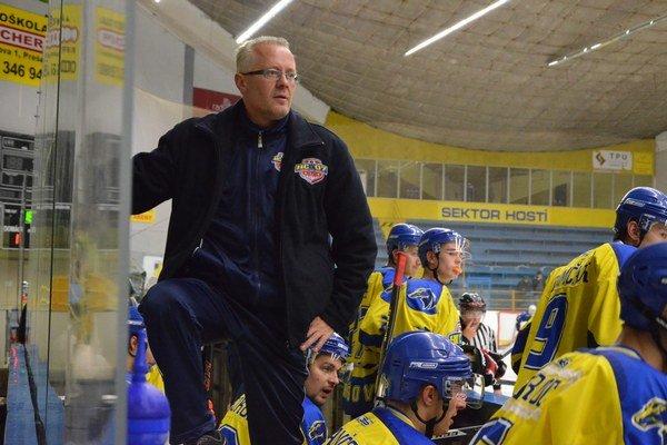 Pokyny. Tréner B. Kohutiar úspešnejšie dirigoval zverencov proti Bardejovu.