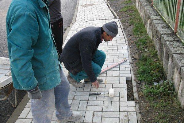Chodníky. Takto si opravili Čergovskú a Záhradnú ulicu.