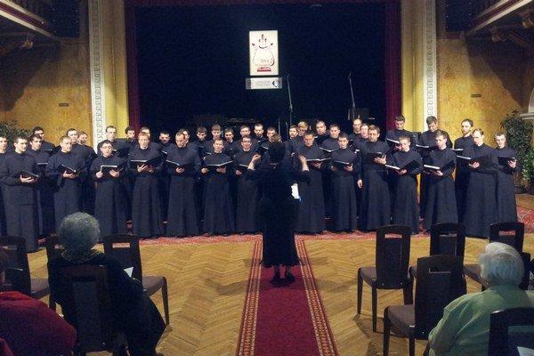Spevácke zbory. Na PHJ sa prezentovali aj študenti Prešovskej univerzity.