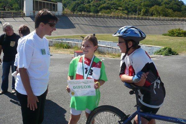 Lenka Ilavská - Litvinová. Slovenská cyklistická legenda, olympionička, víťazka Giro d' Italia, štvornásobná účastníčka Tour de France, bola ozdobou premiérového Prešovského kilometra.