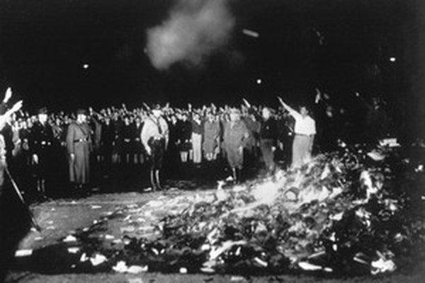 Situácia v hitlerovskom Nemecku  mnohých vypudila.