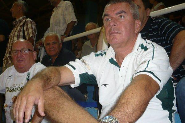 Majiteľ klubu. M. Chmeliara výkony Tatrana v Poľsku nenadchli.