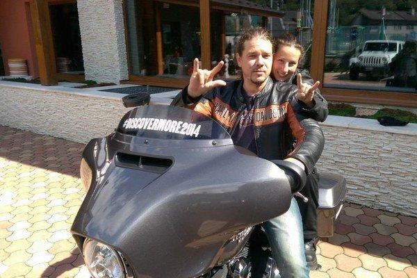 Motorkársky pár. Manželia Toužimskí.