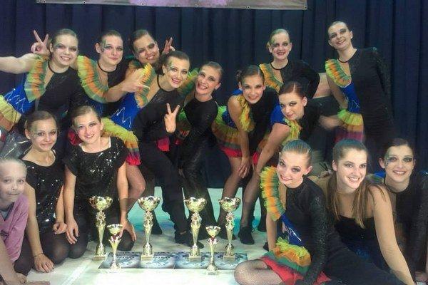 Tanečné štúdio Elit. Bodovalo v zahraničnej konkurencii.