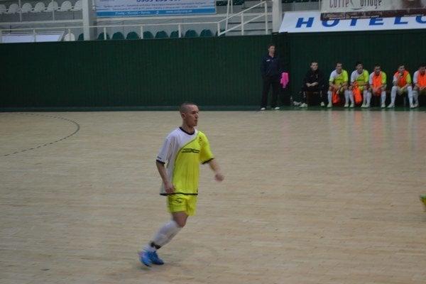 """Ján Adam. Tento """"obojživelník"""" venujúci sa tiež futsalu strelil naposledy jeden gól za Pušovce."""