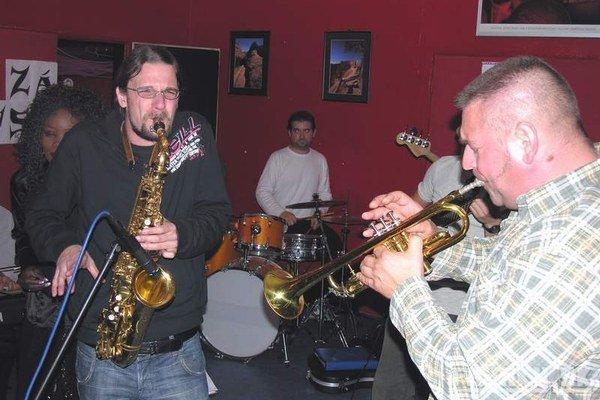 Gapa. Na jam-session v roku 2007 s dnešnou hviezdou McCloude, teraz príde s ďalšími svetovými muzikantmi.