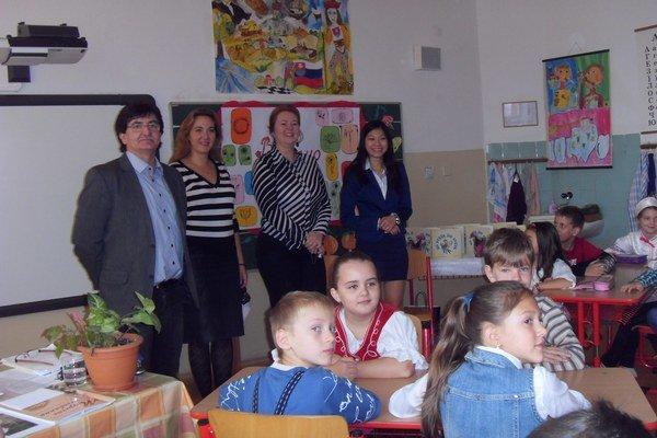 Spojená škola T. Ševčenka. V Prešove je jedinou, kde prídu cudzinci čítať svoje rozprávky.