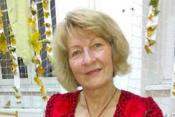Petronela Míčová. Napísala knihu básní.