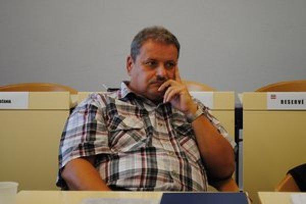 J. R. Šmigalla. Hovorí, že nikto nevie, ktoré pripomienky ministerstvo zohľadnilo.