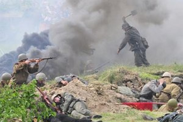 Ukážky vojnových bojov naberajú na obľube. Dočkali sa aj v Prešove.