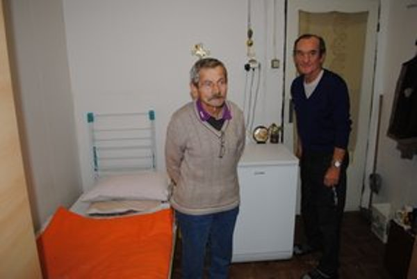 Obyvatelia Domu na polceste Ján Sopko (vľavo) a Andrej Kačala.