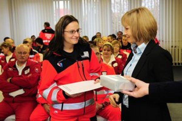 Ministerka zdravotníctva Z. Zvolenská a M Bukovinská, záchranárka z popradskej nemocnice.