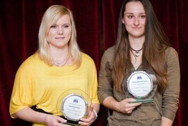 Ocenené Prešovčanky Veronika Očipová (vľavo) a Rebeka Martinkovičová.