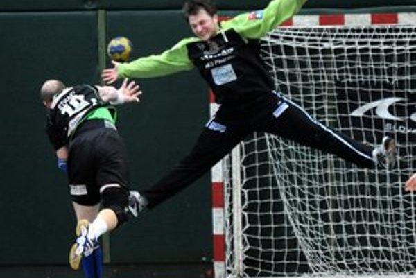 Jakub Krupa. V bráne Tatrana od začiatku nastupoval v ostatných zápasoch on.