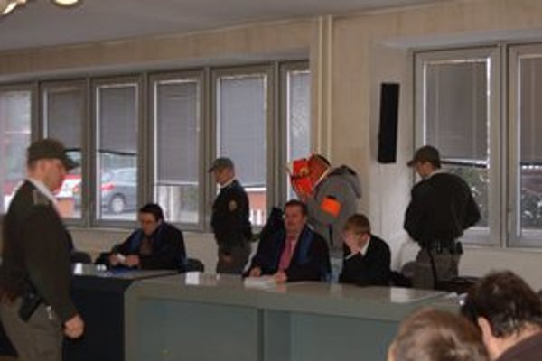 Proces s únoscami starca z Kežmarku. Súd rozhodol o ich vine.