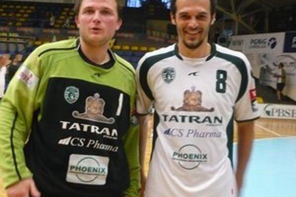 Jakub Krupa. V Sarajeve sa gólmanovi Tatrana (vľavo) darilo, kryl aj päť sedmičiek.