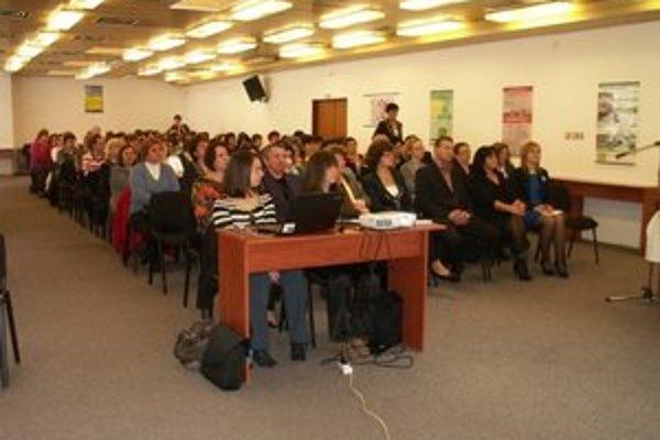 Účastníci kongresu diskutovali o akútnych problémoch v starostlivosti o matky a deti.