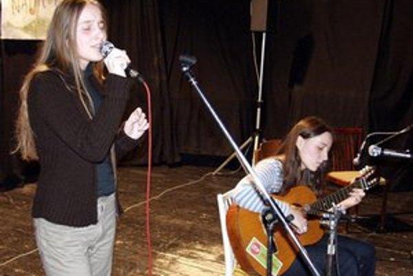 Sestry Koščové. Veronika a Katka mali premiéru v roku 2002.
