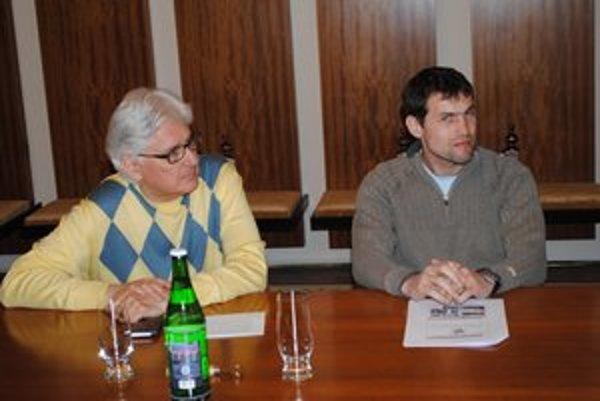 Organizátori. Ján Juráš (vľavo) a Marcel Matanin.